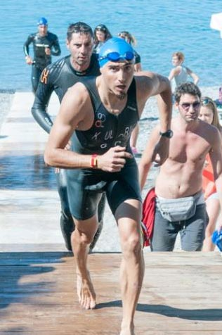 Grigoris Skoularikis triathlon 2012 swim exit